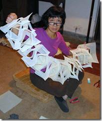 Yuri Kawanabe constructing her work